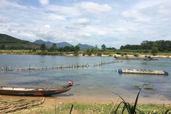 Residents build river fence to oppose sand mining