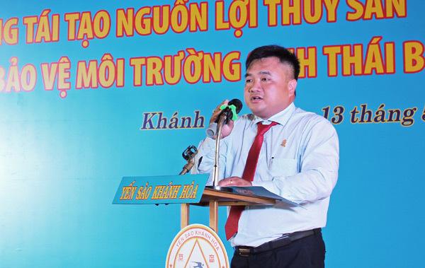 Thả 15.000 con giống tái tạo nguồn lợi thủy sản vịnh Nha Trang