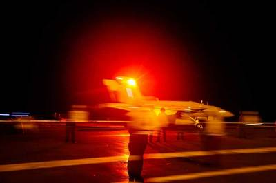 Mỹ rà soát các kế hoạch quân sự chống Iran