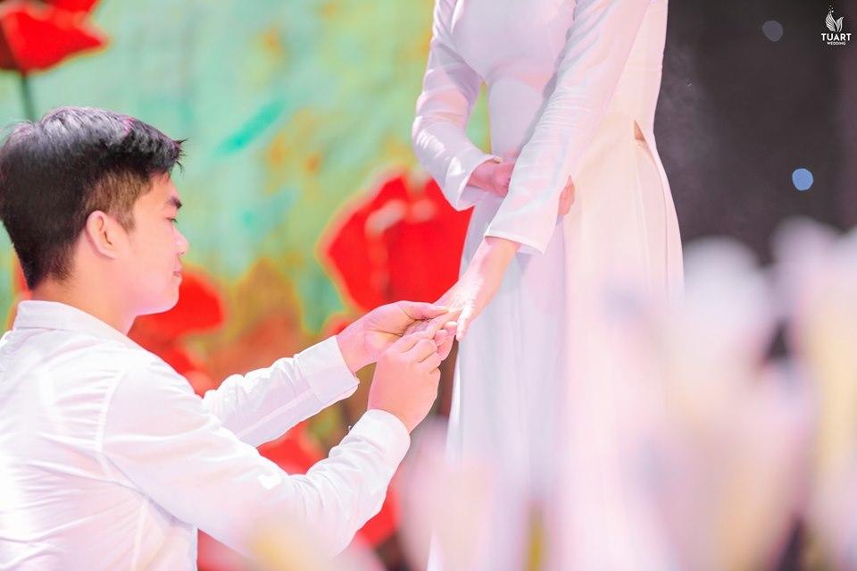 Chàng trai Hòa Bình bất chấp cảnh báo, yêu tha thiết cô gái bị tan máu