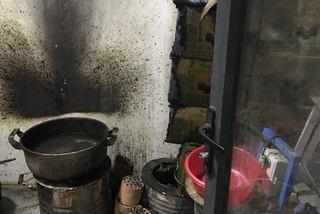 Cảnh khó tin trong căn hộ tiền tỷ: Đun than tổ ong trăm người tá hoả