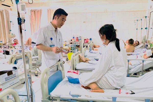 Tai nạn lao động,đứt lưỡi,Bệnh viện Việt Đức