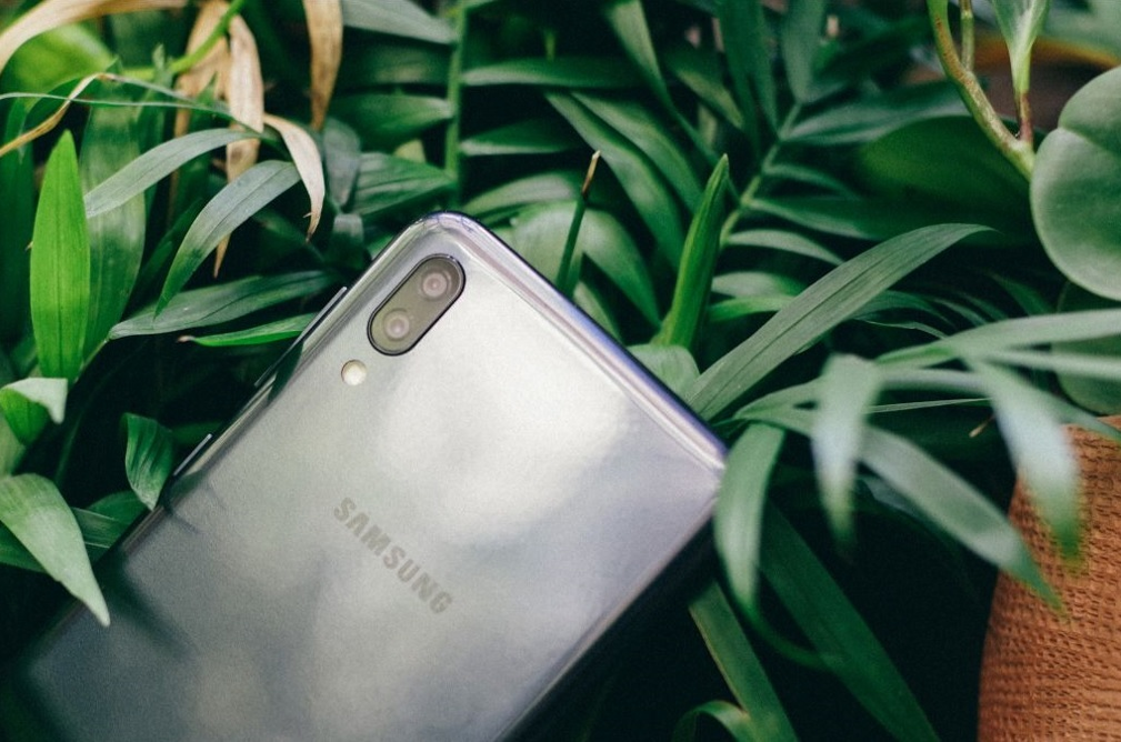 Galaxy M10,smartphone giá rẻ,chụp ảnh góc rộng