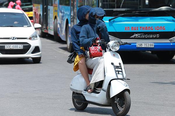 Dự báo thời tiết 15/5: Hà Nội oi nóng, Sài Gòn mưa dông