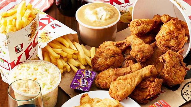 Nam thanh niên ăn KFC 'chùa' suốt một năm