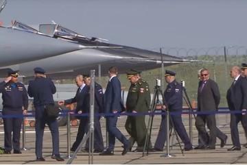 Xem Putin trực tiếp thị sát MiG-31 mang siêu tên lửa