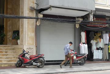 Sau ồn ào bán khăn lụa Trung Quốc, Khaisilk giờ ra sao?