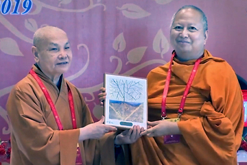 Bức tranh 'Vỏ tương lai' - món quà ý nghĩa của Đại lễ Phật Đản Vesak 2019