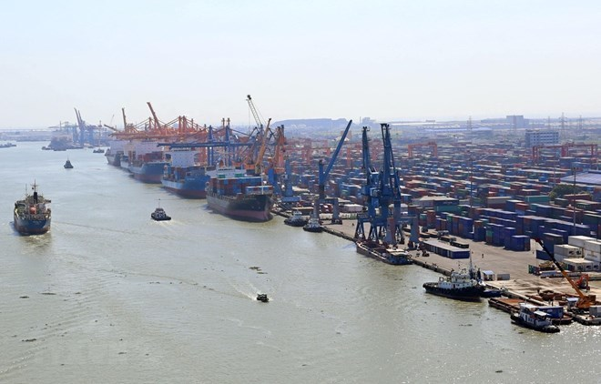 Maritime transport key to Vietnam's sea strategy: experts