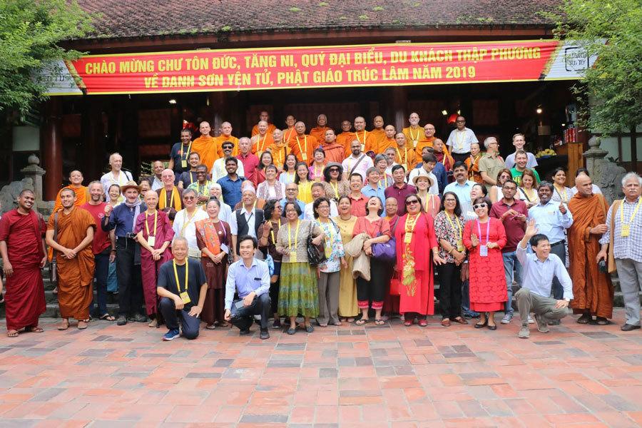 Đại biểu Vesak khám phá vùng đất Phật Yên Tử