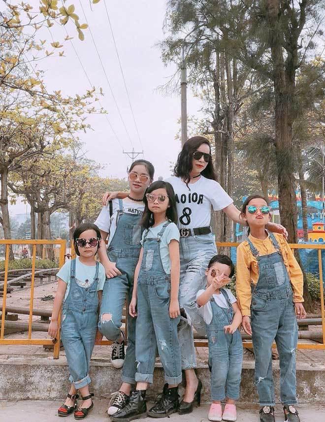 Mẹ trẻ 35 tuổi sinh 6 cô con gái gây xôn xao mạng xã hội