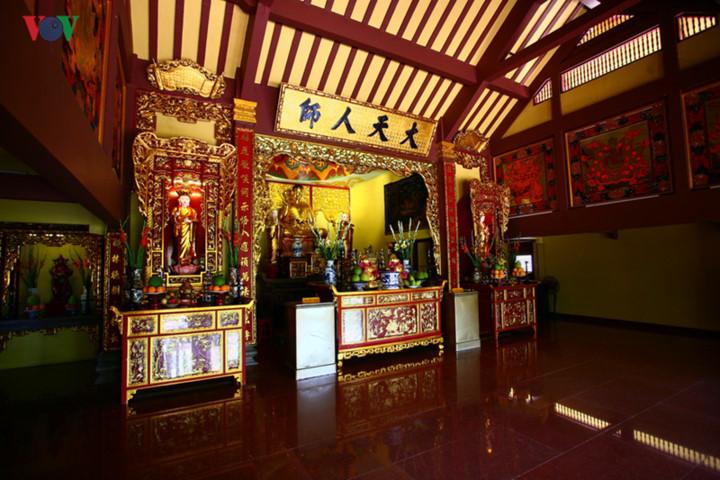 Exploring unique one-pillar pagoda in HCM City