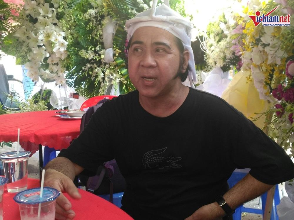 Nghệ sĩ Bạch Long: Mẹ mất, Thành Lộc vẫn phải tỉnh bơ diễn