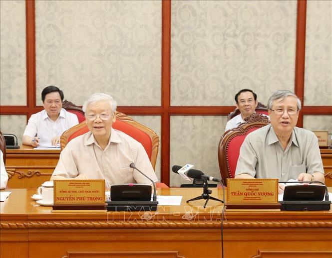 Quyết định một số trường hợp nhân sự thuộc diện Bộ Chính trị quản lý