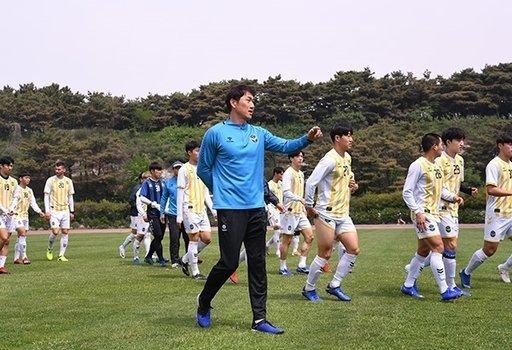"""Công Phượng mang """"vận đen"""" đến cho Incheon"""