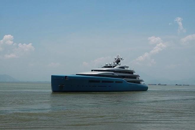 British billionaire sails Aviva yacht in Vietnam