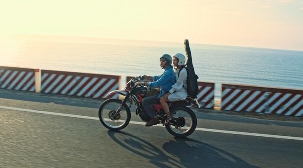 Phim 'Cà chớn, anh đừng đi': Chuyện tình lãng mạn đầy những thiếu sót