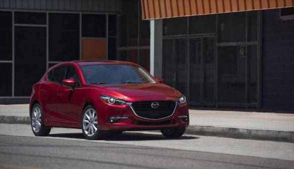 Gần 200.000 xe Mazda3 bị triệu hồi vì lỗi cần gạt nước