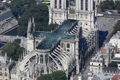 Những ý tưởng tái thiết Nhà thờ Đức Bà 'điên rồ' nhất