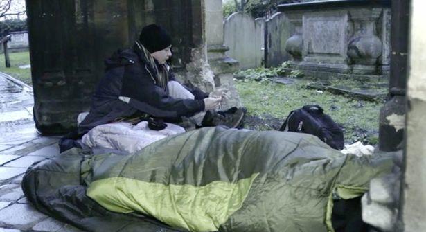Thiếu gia ngập trong hàng hiệu tỉnh ngộ sau 1 đêm sống như người vô gia cư