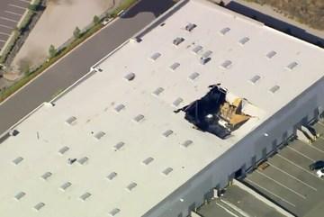 Chiến cơ Mỹ F-16 mang vũ khí đâm thủng nóc nhà