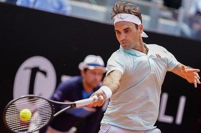 Federer bỏ tứ kết Rome Masters vì chấn thương