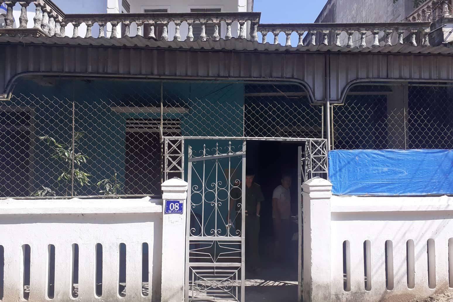 Hà Tĩnh: Chồng tử vong, vợ nguy kịch với vết cắt trên cổ