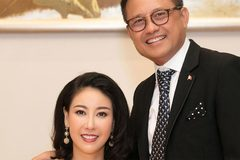 Hà Kiều Anh đón tuổi 43 bên chồng đại gia và dàn mỹ nhân Việt