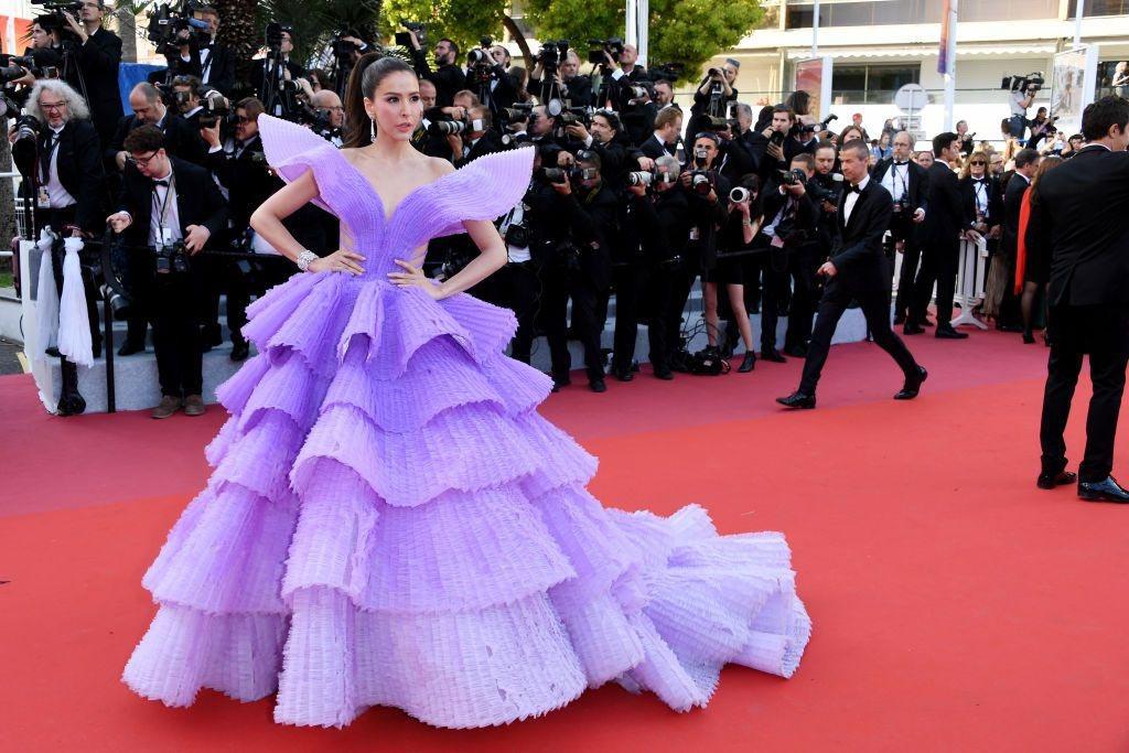Liên hoan phim Cannes,Bella Hadid,Priyanka Chopra,Julianne More,Eva Longoria,Chompoo Araya