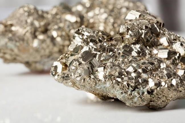 Những loại vật chất giá trị gấp nhiều lần kim cương