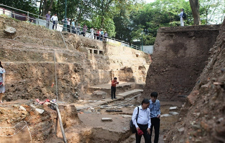 Historical artefacts discovered during Thang Long Citadel excavation