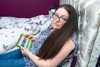 Bà mẹ mắc căn bệnh kỳ lạ, mua sắm điên cuồng trong khi ngủ
