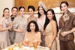 Hoa hậu Hà Kiều Anh mừng sinh nhật tuổi 42 cùng cả dàn mỹ nhân, ấy thế mà mọi chú ý lại đổ dồn về... Diva Hồng Nhung