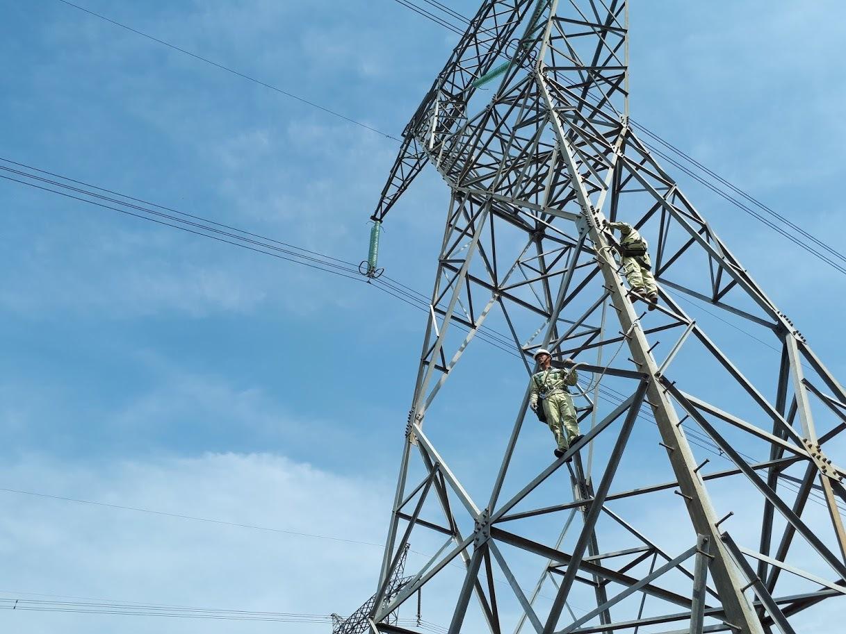 Ngày kỷ lục đón nguồn điện vô tận: Chuyện chưa từng có trong lịch sử