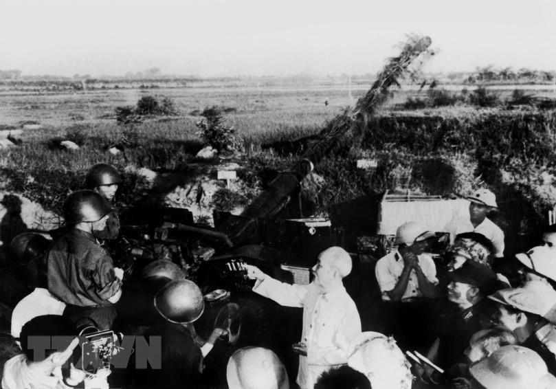 Timeless photos of President Ho Chi Minh