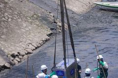 Experts suggest Hanoi clean dying river with Red river's water
