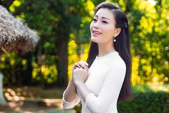 Sao Mai Huyền Trang mừng sinh nhật Bác với MV 'Quê chung'