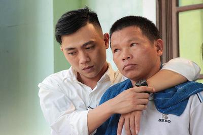 Vợ chồng nghèo ở Quảng Trị nuôi chàng trai ăn xin gần 30 năm