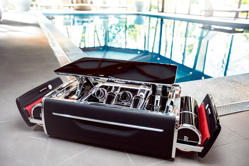 Khay champagne của Rolls-Royce giá gần 50.000 USD, đắt hơn BMW 520i