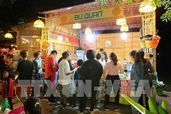 Hanoi festival introduces famous specialities from all three regions