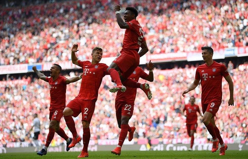 Bayern Munich vô địch Bundesliga lần thứ 7 liên tiếp