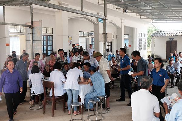 Bộ TT&TT trao tặng máy tính cho học sinh xã Mỹ Lương, tỉnh Phú Thọ