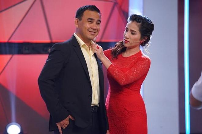 MC bị cắt hợp đồng show 'Bạn muốn hẹn hò': Làm mẹ đơn thân, đời lận đận