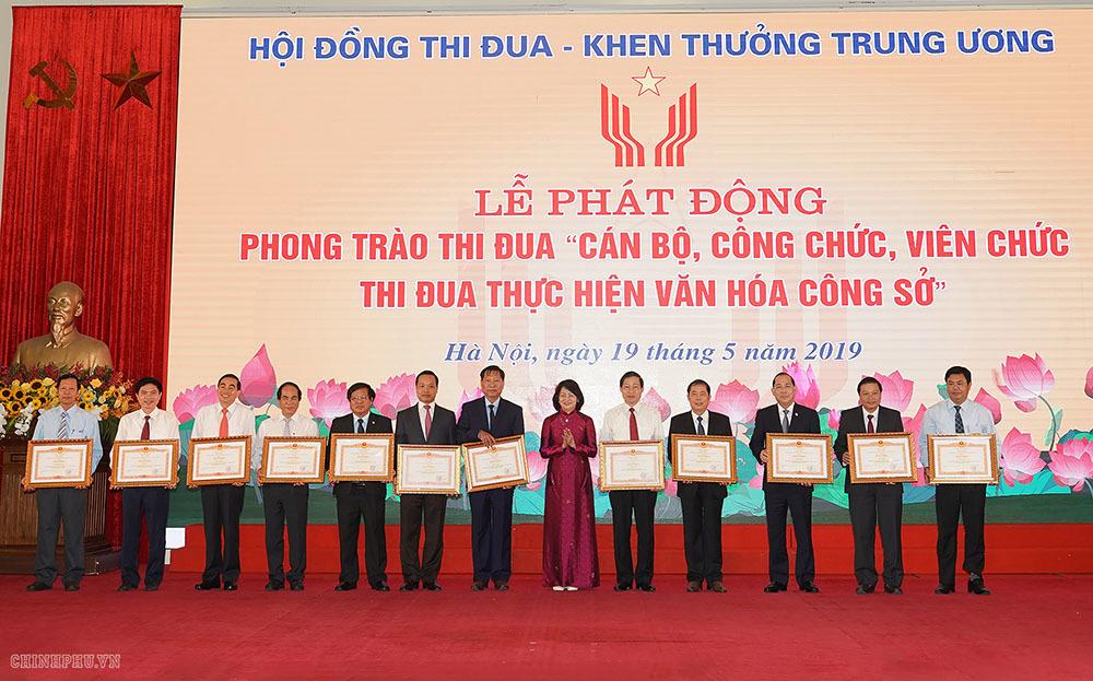 Thủ tướng: Cần xóa bỏ ngay thứ văn hóa không nhúc nhích