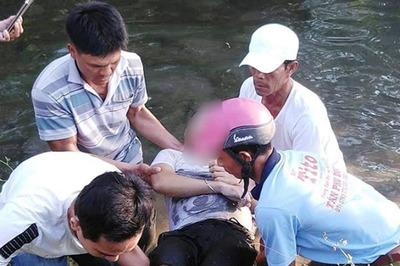 Quảng Nam: Phát hiện thi thể thanh niên bên xe máy dưới mương