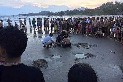 Nhóm HS lớp 9 rủ nhau tắm biển, nước cuốn 2 em thiệt mạng
