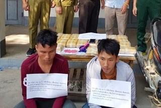 Lao men arrested for smuggling 120,000 meth pills