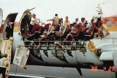 Chiếc máy bay bung nóc ở độ cao hơn 7.000 m sống sót kỳ diệu ra sao?