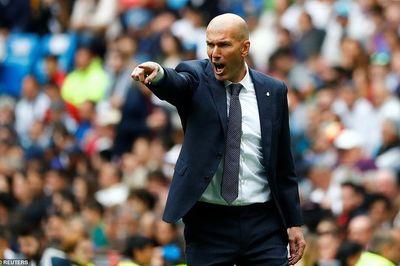 Mandzukic giảm 50% lương ký MU, Zidane bị chơi xấu
