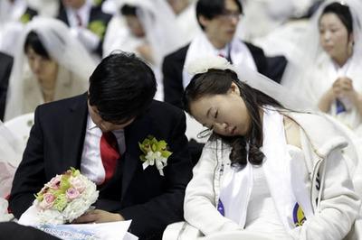Đau đầu vì tiền mừng, người trẻ Hàn Quốc 10 năm không dự đám cưới